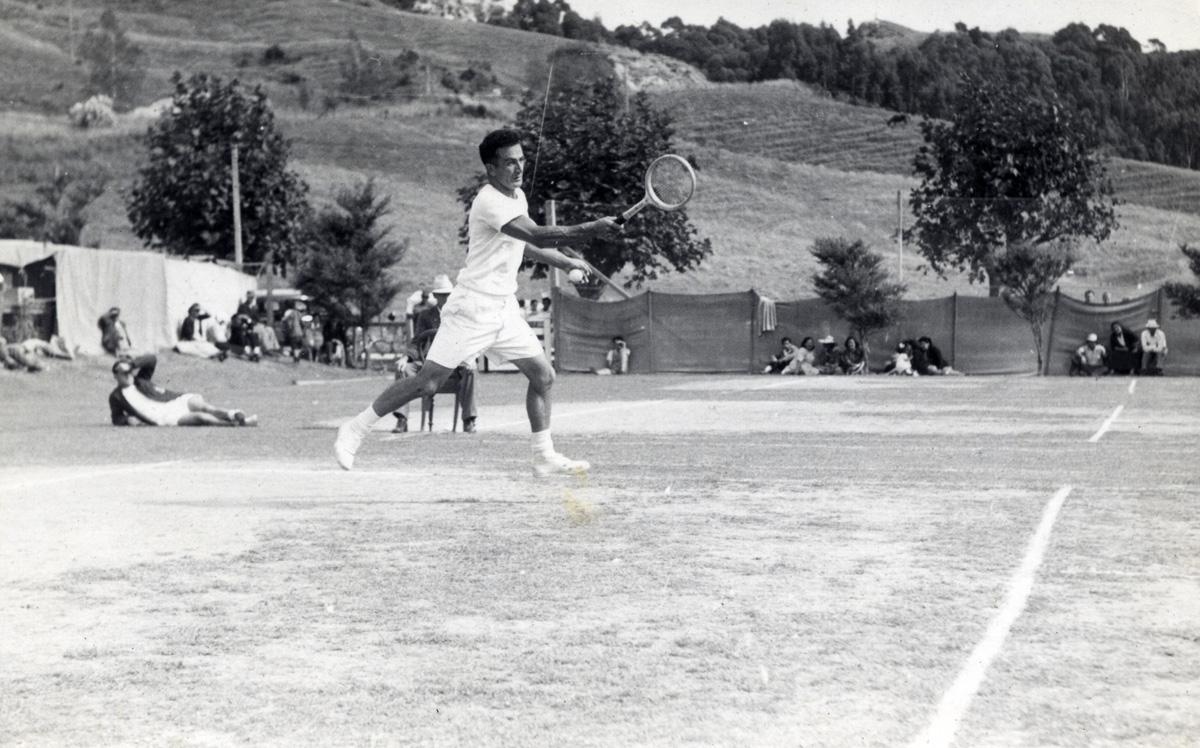 NZMLTA Poho-o-Rawiri - Fred Keys playing a forehand
