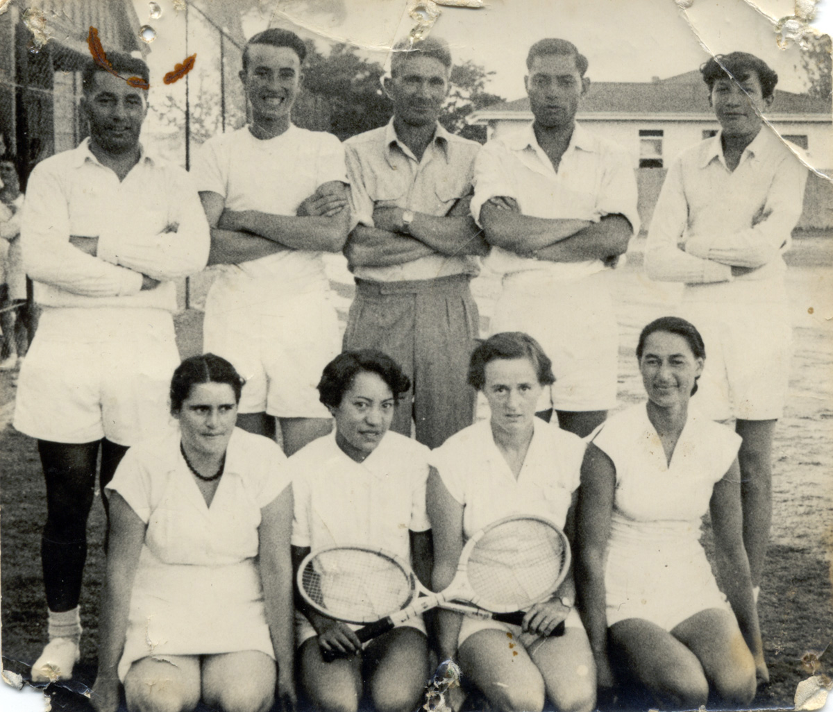 H.B.Williams Shield Team 1957 - Ruatoria Tennis Club Team (Men) Bill Hohepa, Waldo Hoia, Wattie Goldsmith (Mngr/Coach) Willie Taare, David Goldsmith (Women) Hawea Mackey, Mavis Paenga, B Dawer, Sarah Smith