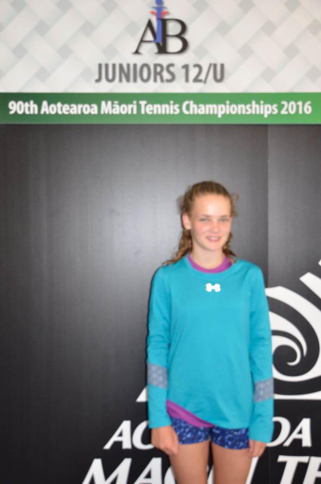 12s Girls Singles Winner - Halle Fenkner